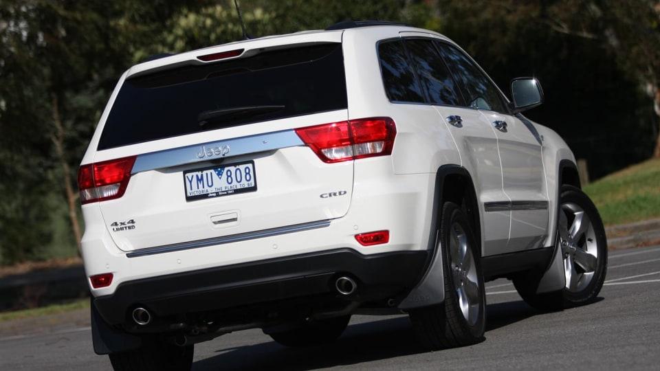 2011_jeep_grand_cherokee_diesel_review_00d