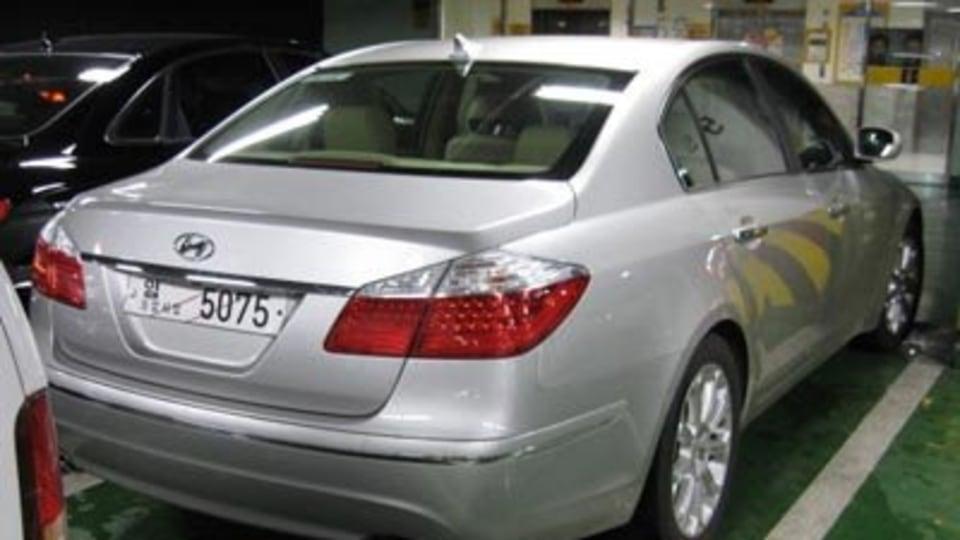 2008 Hyundai Genesis new images