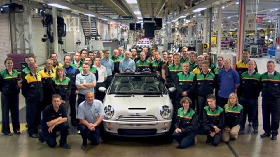 MINI Winds Up Production of Cabrio Drop-Top