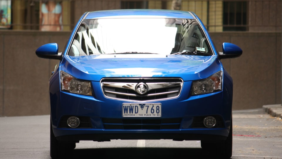 2009_holden-cruze_cdx_and-cruze-cd-diesel_road-test-review_050.jpg