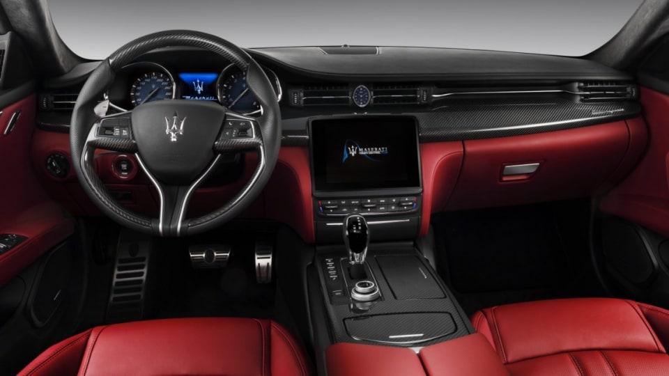 2017 Maserati Quattroporte GTS GranSport interior.