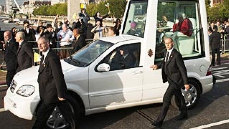 Popemobile goes retro