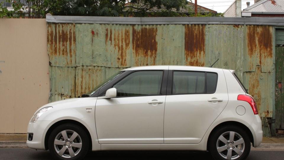 2009_suzuki_swift-s_automatic_road-test-review_18.jpg