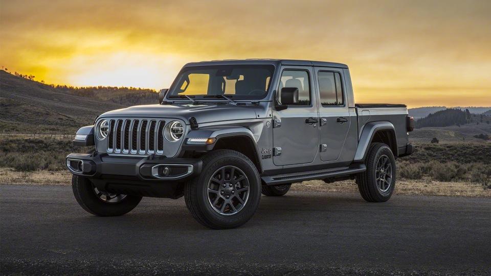 Details: Jeep Gladiator revealed