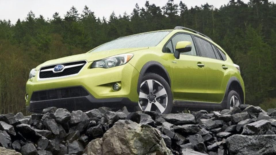 Subaru Reveals XV Crosstrek Hybrid In New York: Video