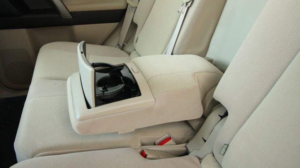2010_toyota_prado_gxl_roadtest_review_interior_023