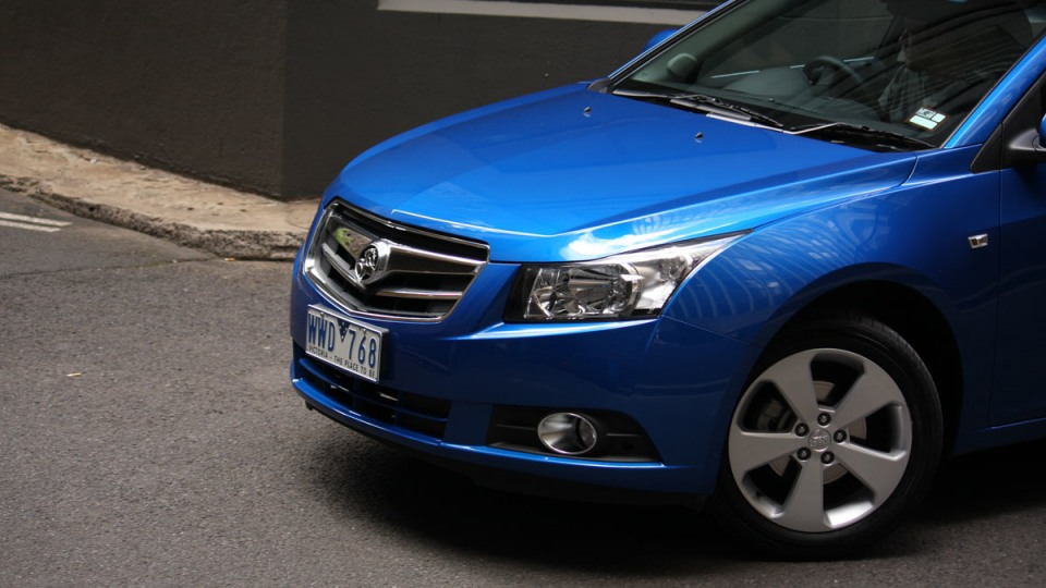 2009_holden-cruze_cdx_and-cruze-cd-diesel_road-test-review_051.jpg