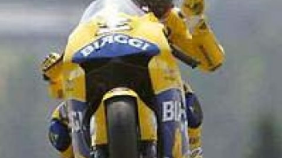 Biaggi makes a race of the title