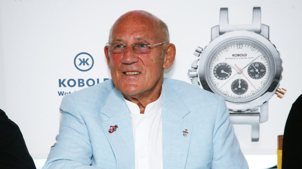 F1: Stirling Moss In Hospital After Lift Fall, Vettel Names RB26 'Luscious Liz'
