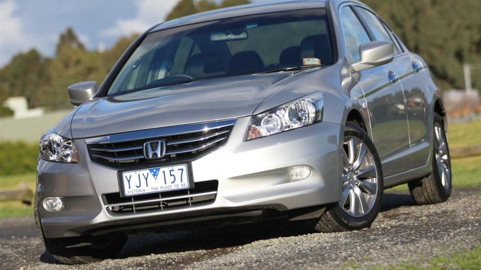 2011 Honda Accord VTi Luxury 2.4 Review