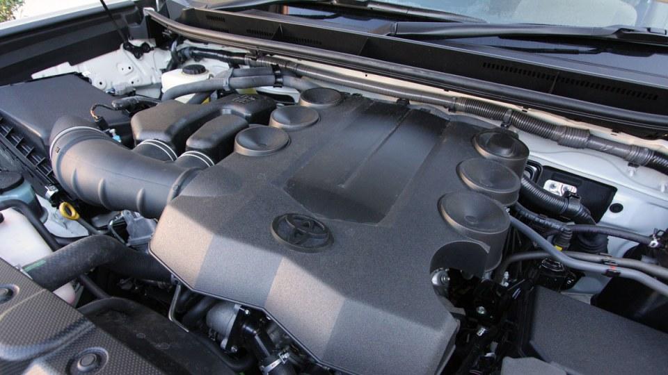 2010_toyota_prado_gxl_roadtest_review_interior_032