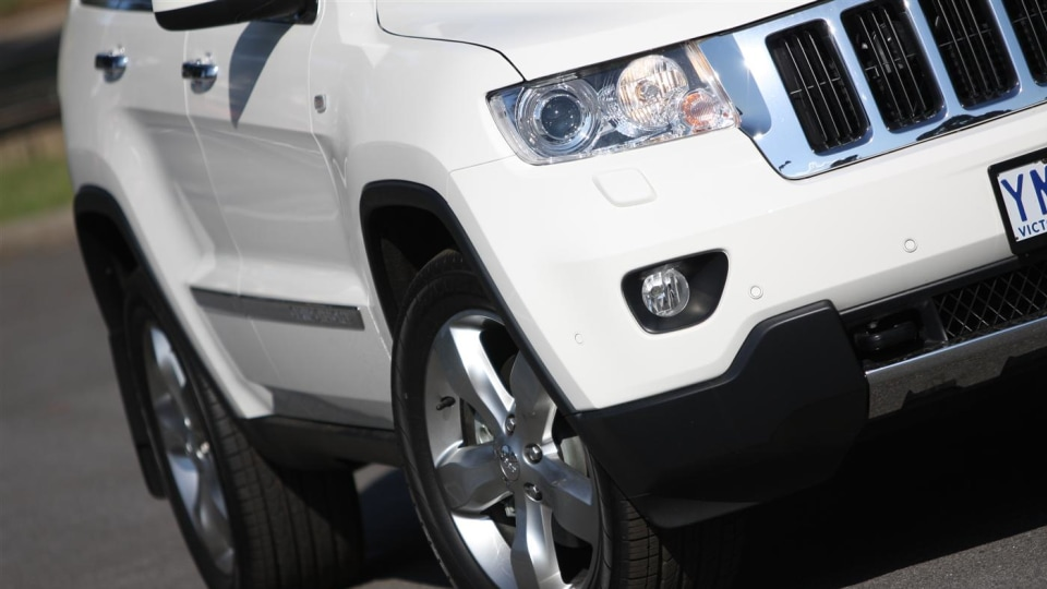 2011_jeep_grand_cherokee_diesel_review_12
