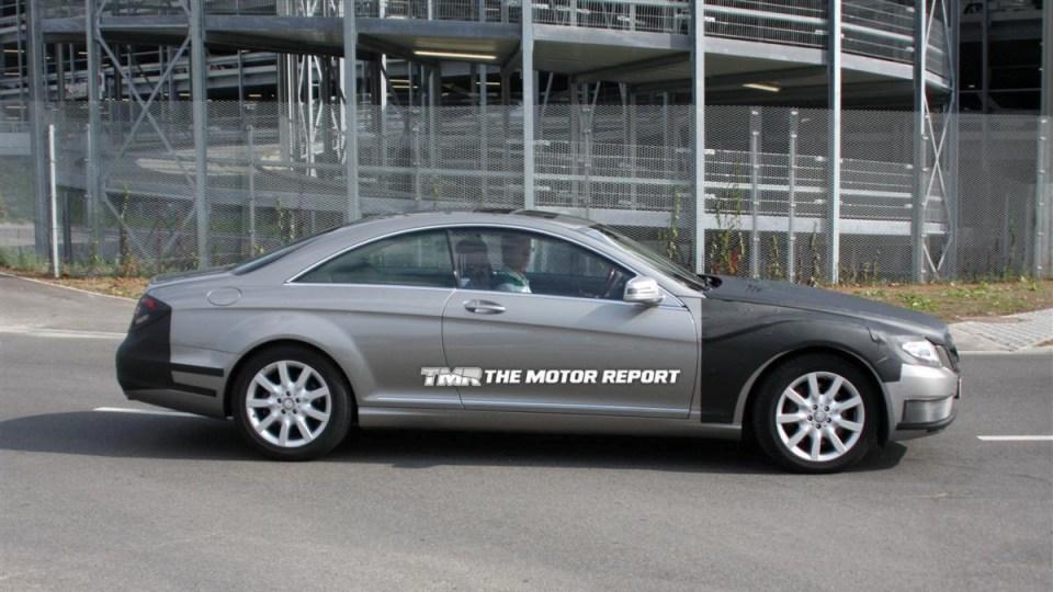 2011_mercedes-benz_s-class_coupe_facelift_spy-shots_08.jpg