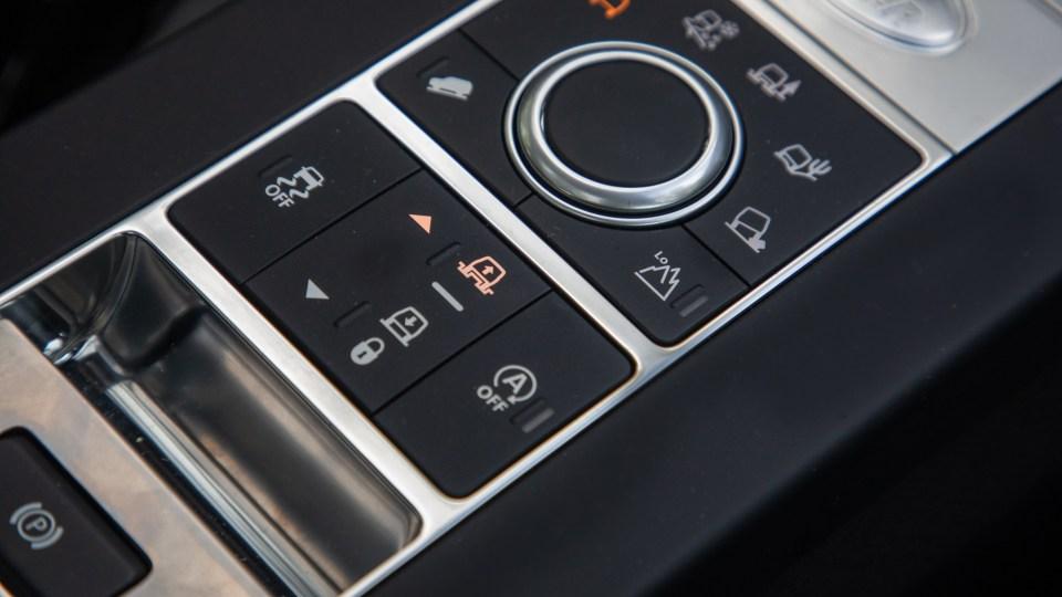2020 Land Rover Discovery Landmark SDV6 review-4