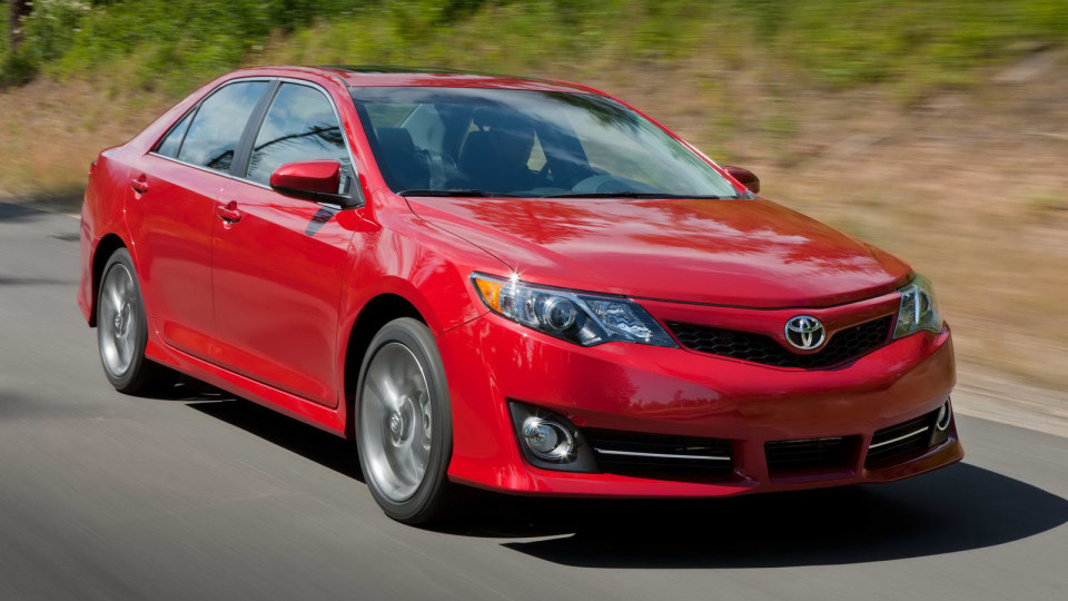 2012_toyota_camry_official_overseas_01