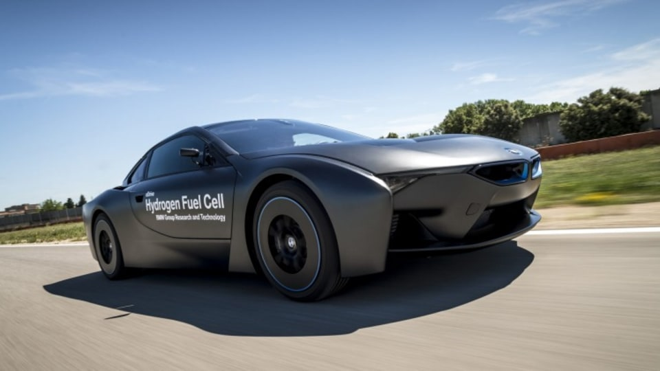 BMW will use its Fuel Cell i8 prototype as the basis for an all-electric supercar.