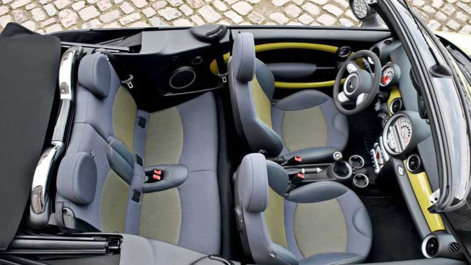 2009-mini-cabrio-004.jpg
