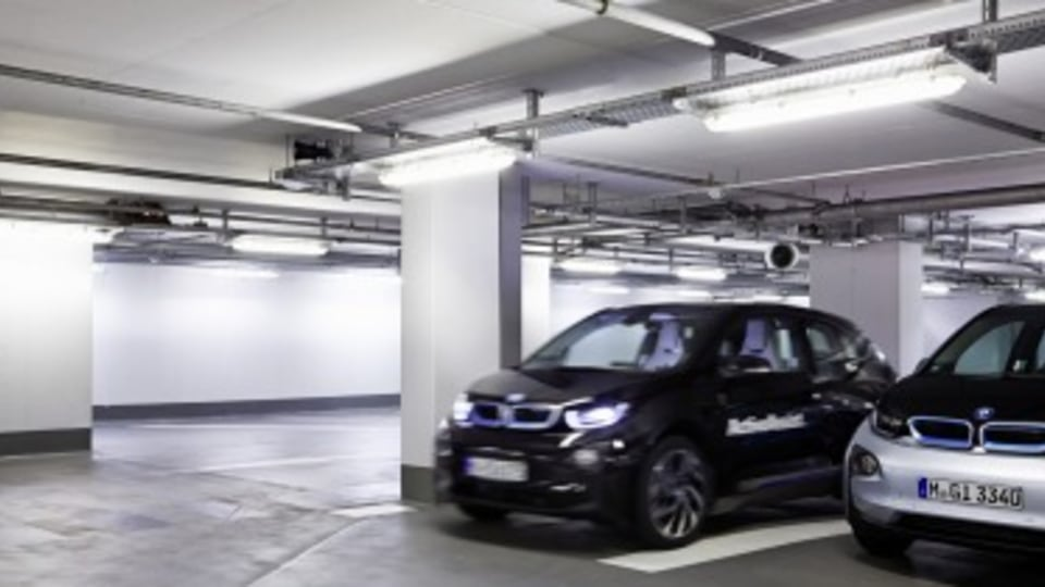 BMW reveals the car that parks itself