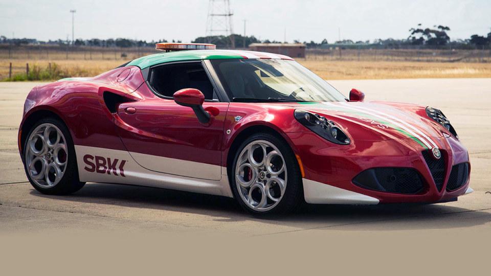 Alfa Romeo 4C Review Lite: The Hangar Test