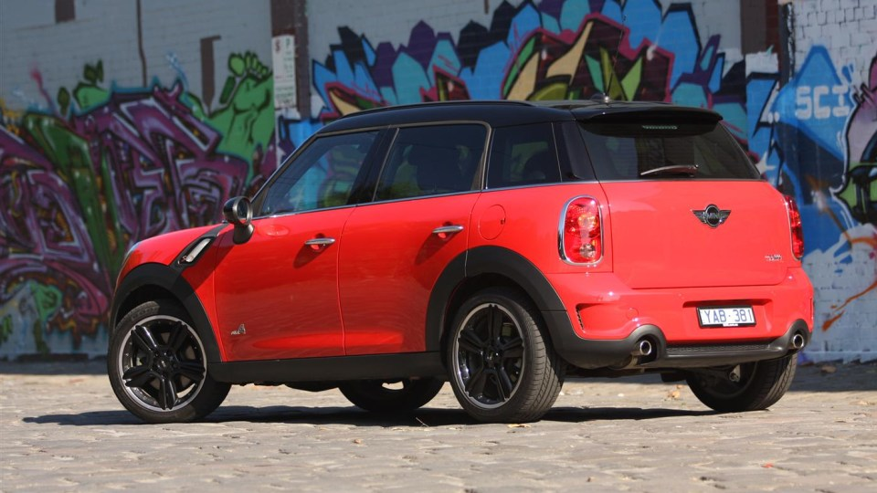 2011_mini_cooper_s_countryman_all4_roadtest_review_39