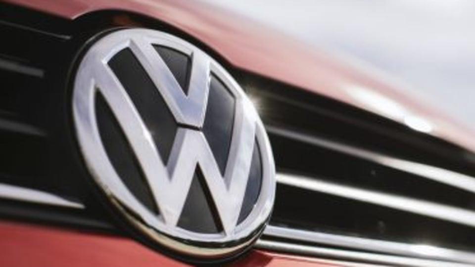 VW gets German regulator's approval to fix 460,000 diesel cars