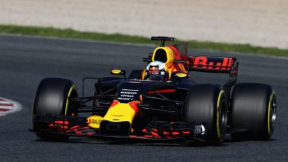 MONTMELO, SPAIN - MARCH 09: Daniel Ricciardo of Australia driving the (3) Red Bull Racing Red Bull-TAG Heuer RB13 TAG Heuer on track during day three of Formula One winter testing at Circuit de Catalunya on March 9, 2017 in Montmelo, Spain. (Photo by Mark