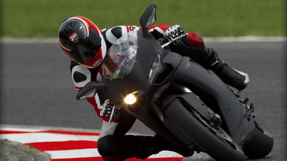 2011_ducati_848evo_superbike_07