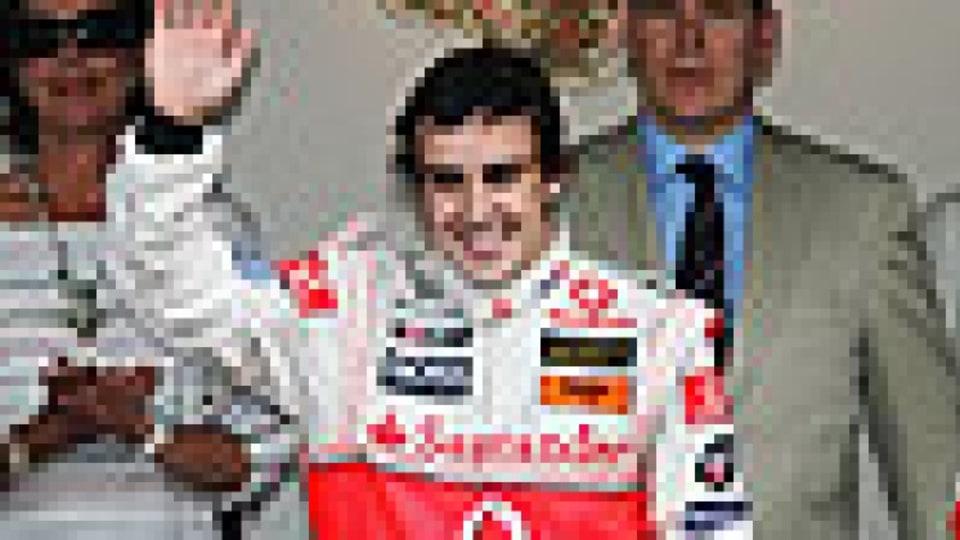 McLaren faces scrutiny for holding back Hamilton