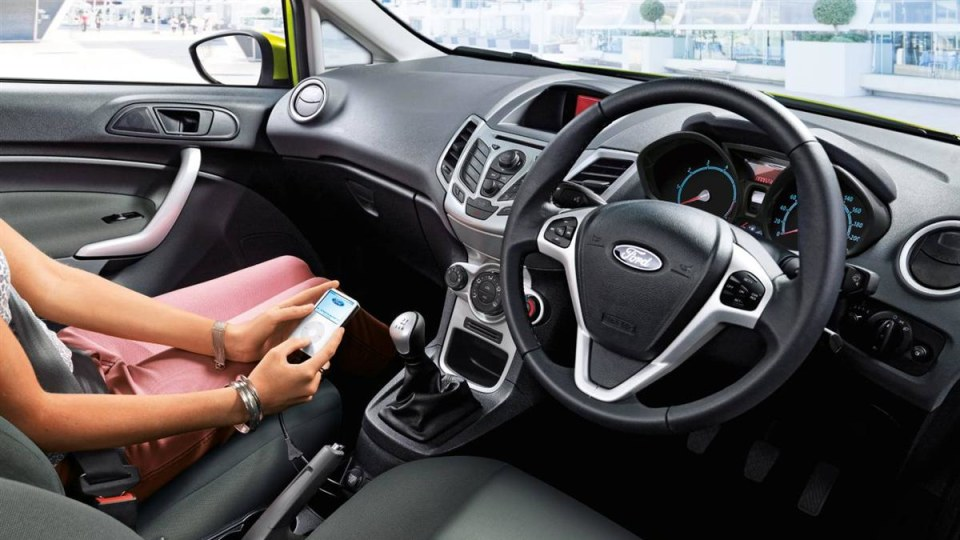 2010_ford_fiesta_econetic_road-test-review_03.jpg