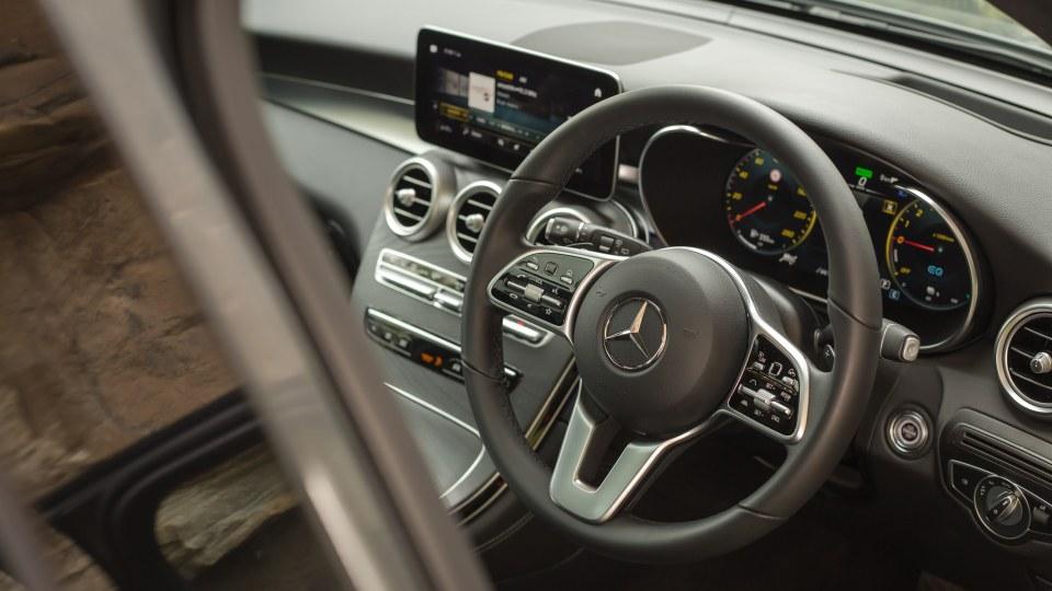 2020 Mercedes-Benz GLC300e PHEV review-0