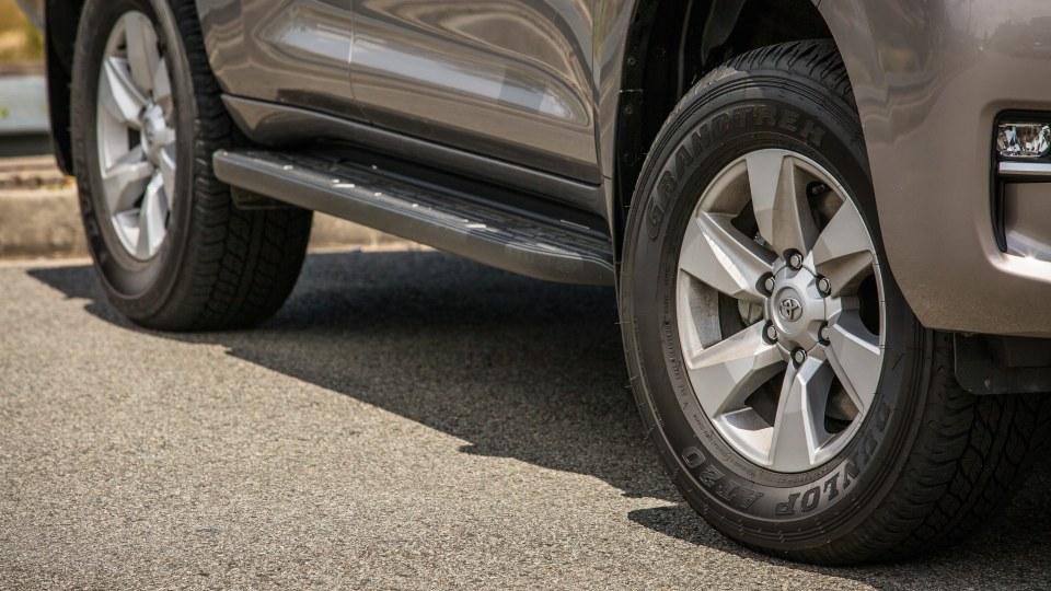 2021 Toyota LandCruiser Prado GXL review-4