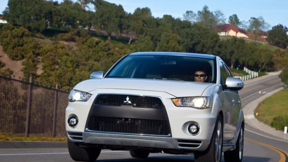 2009 Mitsubishi Outlander GT Prototype Hits The Stands At New York
