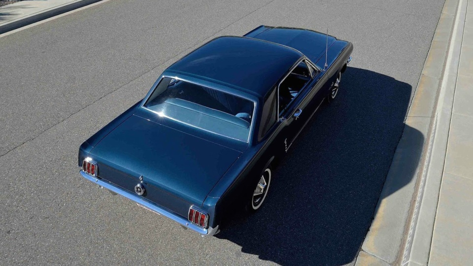 ford_mustang_hardtop_00002_auction_03