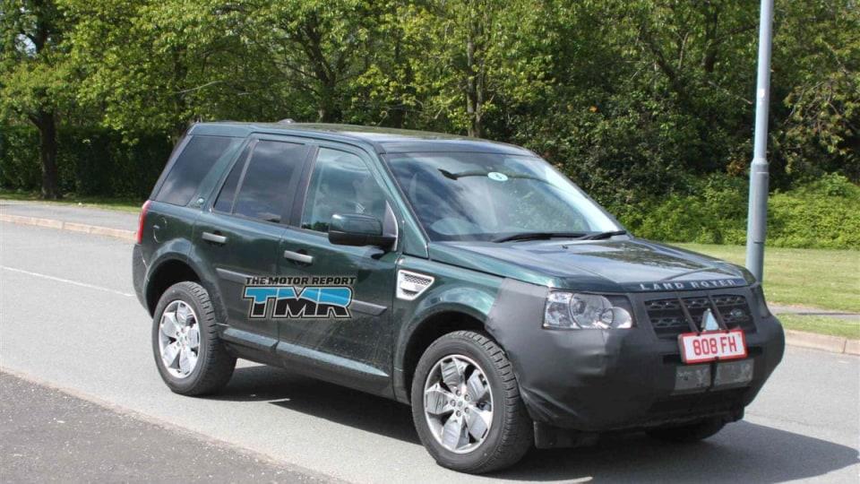 2011_land_rover_lr2_freelander_update_spy_photos_01