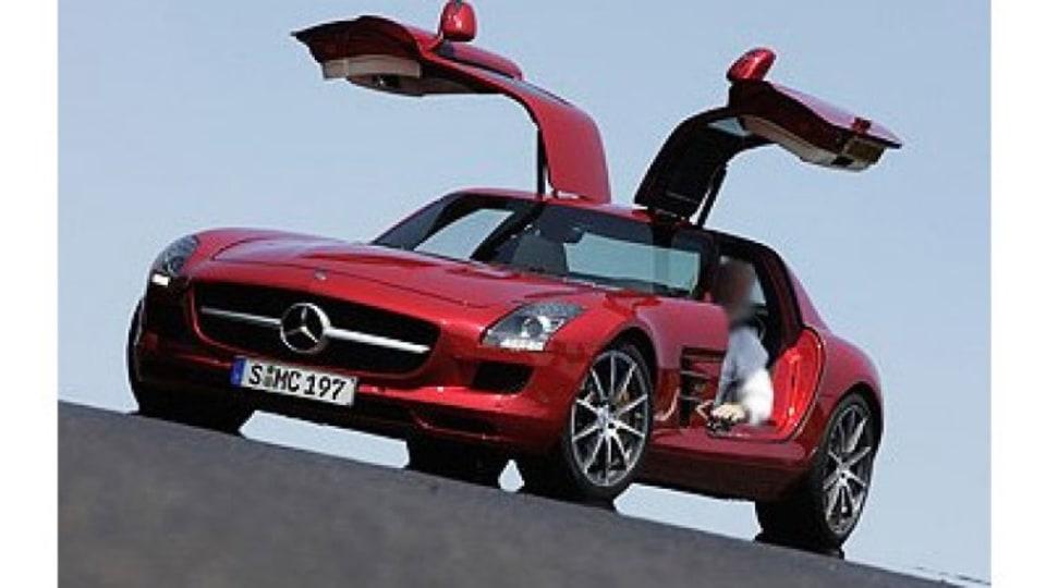 Mercedes-Benz Gullwing SLS AMG