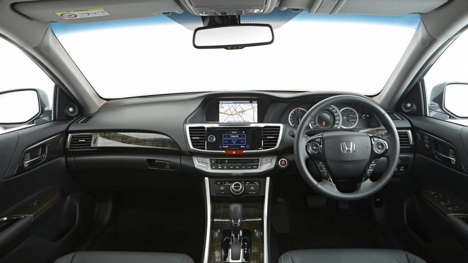 2013_honda_accord_australia_10
