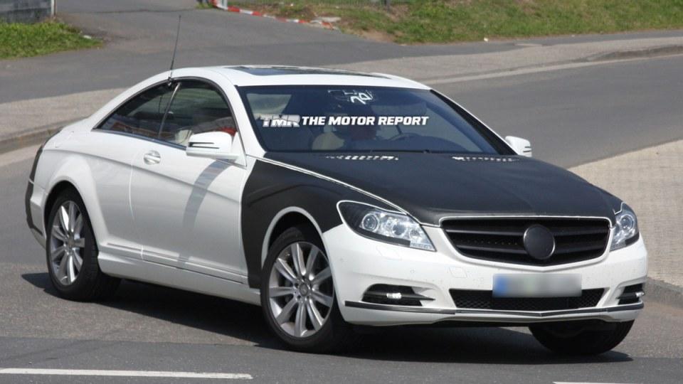 2011_mercedes-benz_s-class_coupe_facelift_spy-shots_02.jpg