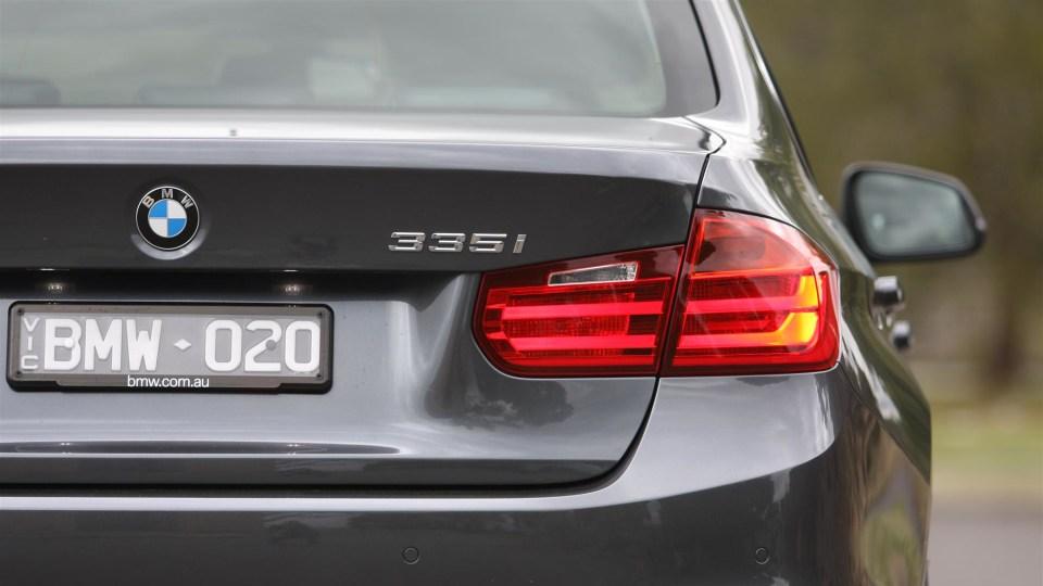 2012_bmw_335i_luxury_review_21