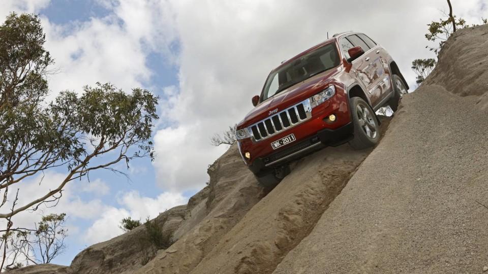 2011_jeep_grand_cherokee_overland_australia_02
