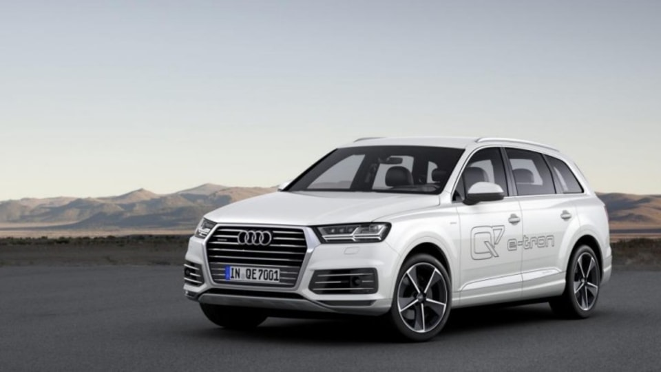 New Audi Q7 e-tron has been revealed at the 2015 Geneva motor show.