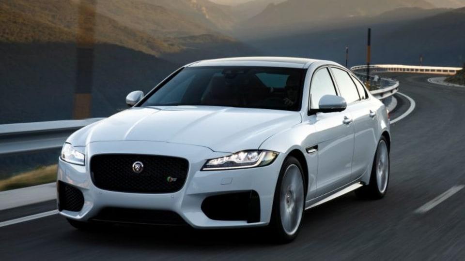 Jaguar XF.