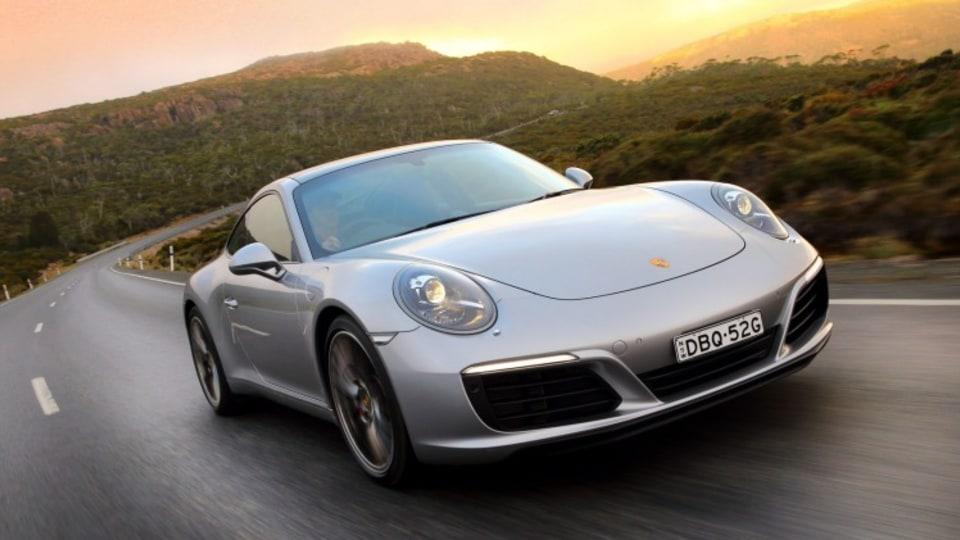 Mean and green: the Porsche 911 remains the benchmark of its segment despite unprecedented change.