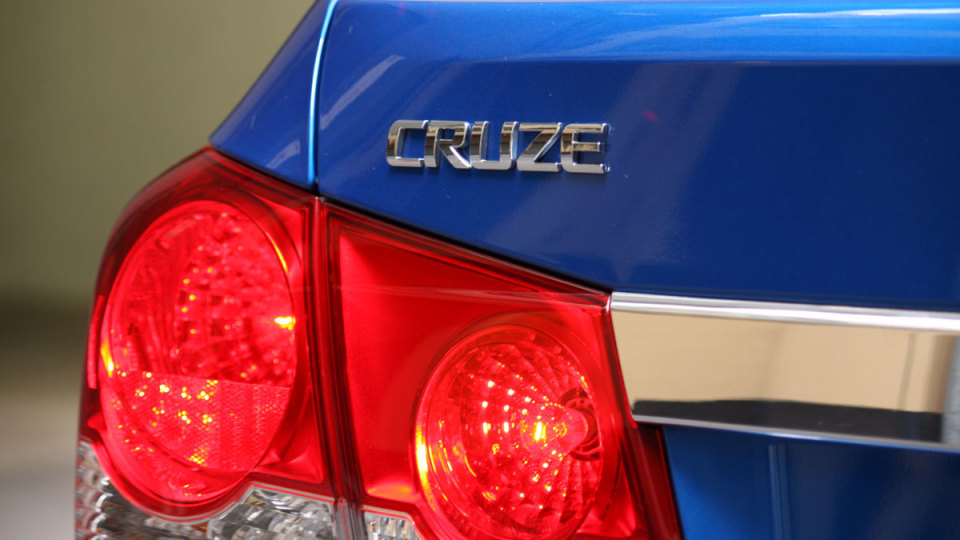 2009_holden-cruze_cdx_and-cruze-cd-diesel_road-test-review_024.jpg