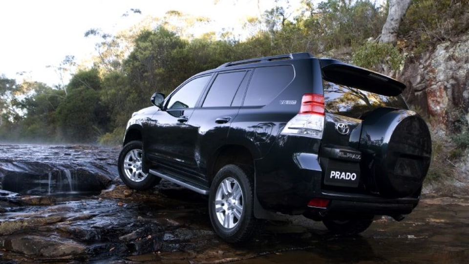 2010_toyota-prado_press_08.jpg