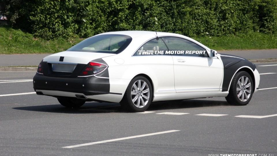 2011_mercedes-benz_s-class_coupe_facelift_spy-shots_05.jpg