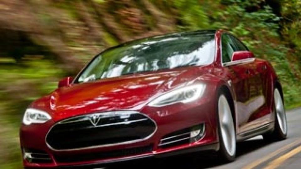 First drive: Tesla Model S (Thumbnail)