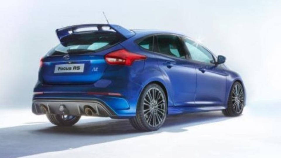 The new Focus RS sports a large rear wing, just like its predecessor.