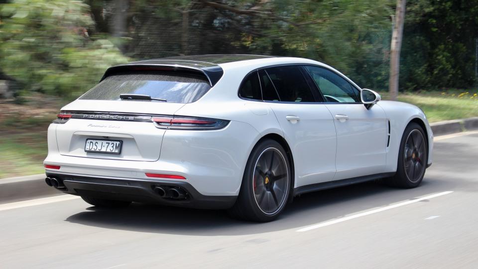 2018 Porsche Panamera Cross Turismo Turbo.
