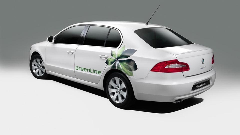 skoda-superb-greenline_03.jpg