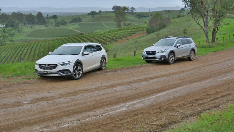 Holden Calais V Tourer v Subaru Outback 3.6R